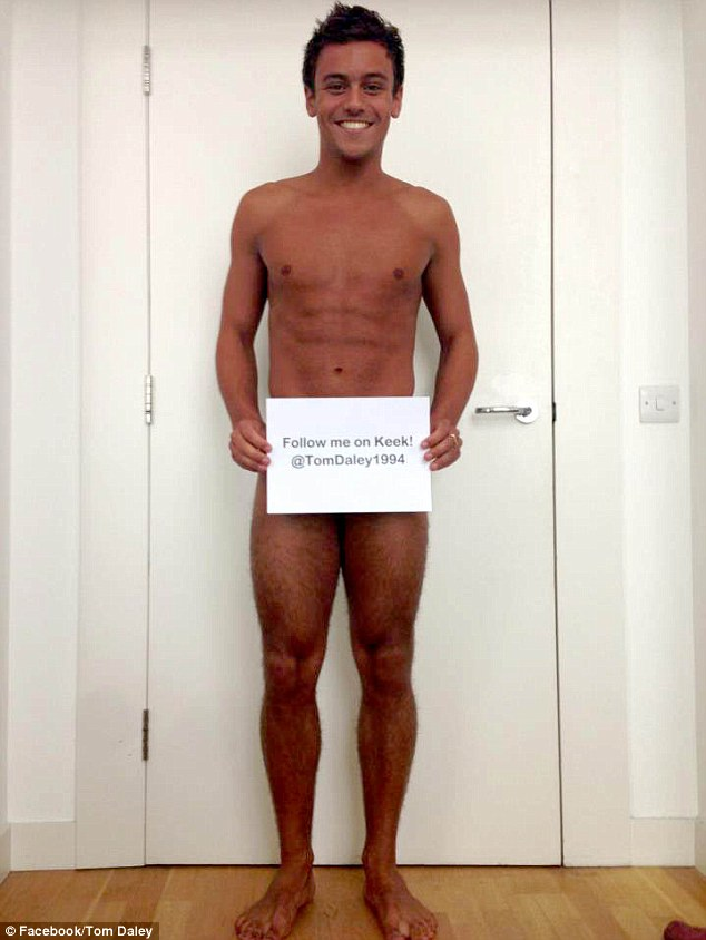Tom Daley Goes Naked To Get More Followers On KEEK!